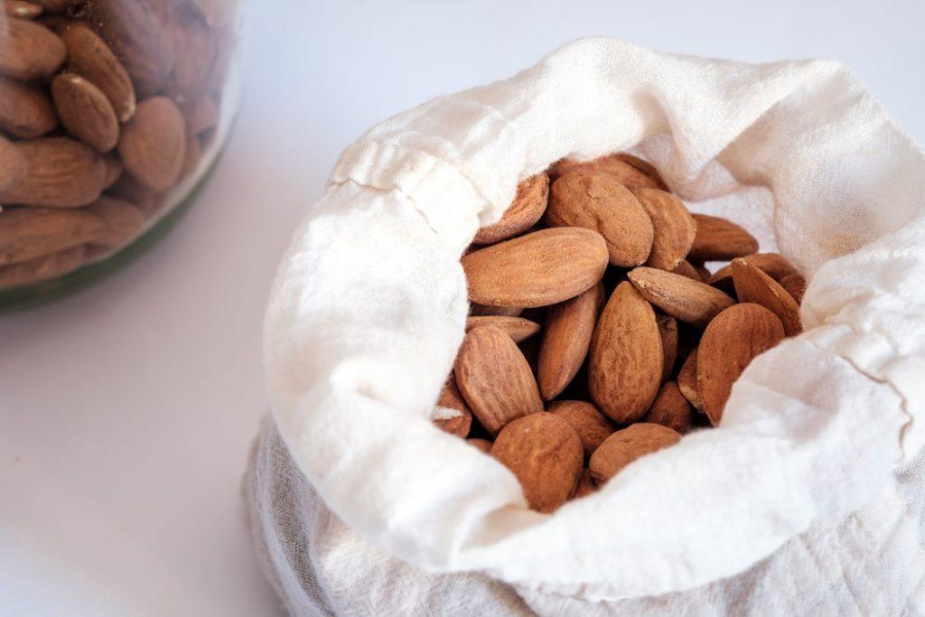 almond mylk recipe | Elika tasker